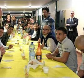 El Papa comió con los reclusos de San Vittore