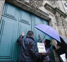 Fieles de Friol siguen en su guerra contra el obispo de Lugo