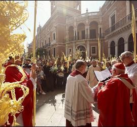 Cañizares preside la procesión de Domingo de Ramos en Valencia