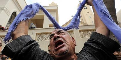 Luto entre los coptos egipcios por los dos atentados de Domingo de Ramos.