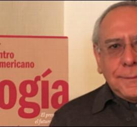 El padre Mario Ángel Flores