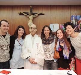José Luis Pérez, con jóvenes de Adsis