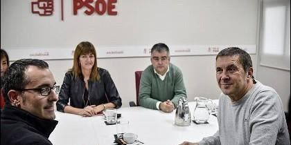 PSE-EE y EH Bildu, encabezados Idoia Mendia y Arnaldo Otegi, son 'amigos para siempre.