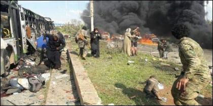 Atentado yihadista contra un convoy de refugiados en Siria.