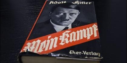 Portada del libro 'Mein Kampf' ('Mi lucha'), de Adolf Hitler