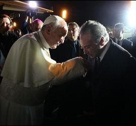 Temer saluda al Papa Francisco