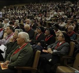 La abarrotada sala de la Fundación Pablo VI