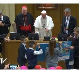 Francisco, con los niños de Acción Católica