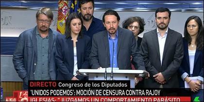 Pablo Iglesias y varios diputados de 'Unidos Podemos'.