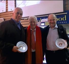 Jaime Escobar, padre Ángel y Jorge Costadoat en el restaurante Robin Hood