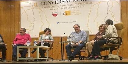 Javier Barbero (en el centro), en las Conversaciones PPC e ISP