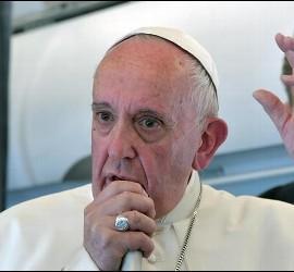 El Papa, en el avión