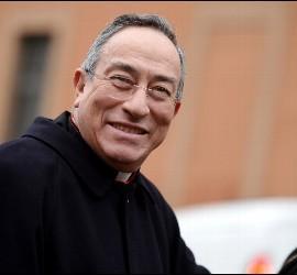 En 2001 se convirtió en el primer hondureño nombrado cardenal