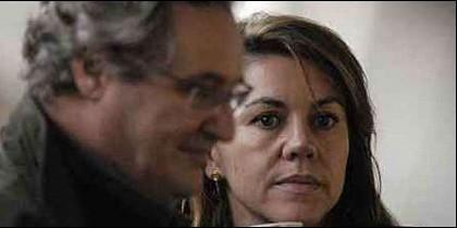 Ignacio López del Hierro junto a su mujer, la ministra María Dolores de Cospedal.