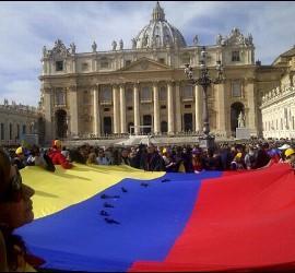 Bandera venezolana en el Vaticano