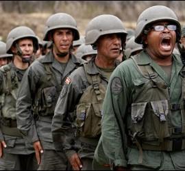 Militares y 'milicias' del régimen chavista en Venezuela.