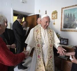 El Papa, en una de las casas de Ostia
