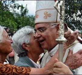 Moronta, con fieles de su diócesis de San Cristóbal