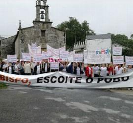 16ª Manifestación para recuperar al cura de Friol