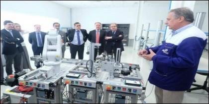 Juan Vicente Herrera en la visita a la empresa Burgalesa Grupo Antolín