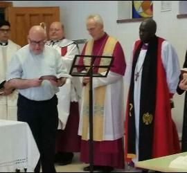 Sacerdotes participando en el LIV Sínodo de la Iglesia Española Reformada Episcopal