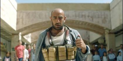 El terrorista islámico camino de la masacre, en el anuncio de la multinacional kuwaití Zain Telecom.