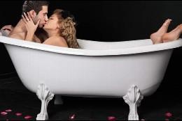 Sexo en la bañera.