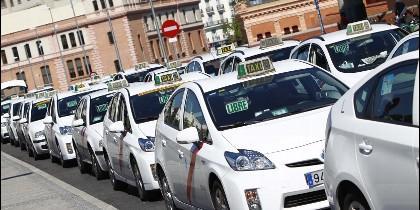 Taxi y taxistas.