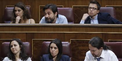 Pablo Iglesias, Irene Montero, Ione Belarra, Íñigo Errejón, Rafael Mayoral y Noelia Vera-Ruiz.