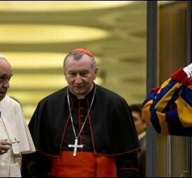 El Papa conversa con Pietro Parolin