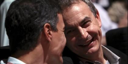 José Luis Rodríguez Zapatero, expresidente del Gobierno, con Pedro Sánchez (i), líder del PSOE