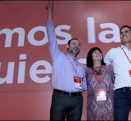 Pedro Sánchez, flanqueado por su núcleo de poder: José Luis Ábalos, Cristina Narbona y Adriana Lastra.
