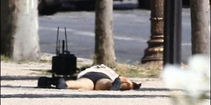 El cadáver del terrorista de los Campos Elíseos
