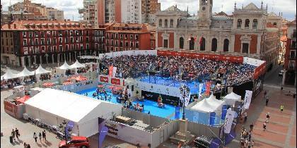 Instalaciones de la pista central en la Plaza Mayor de Valladolid
