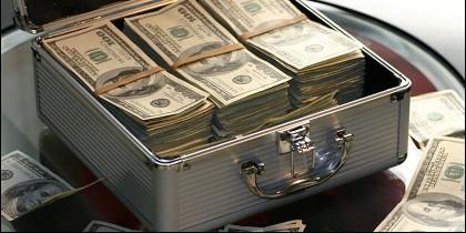 Dinero, ahorro, robo, extorsión, chantaje.