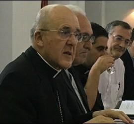 El cardenal Osoro, junto a sor Josefina