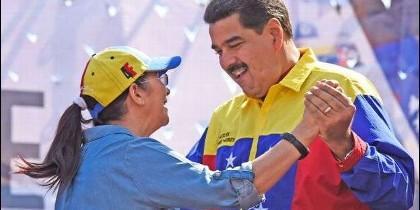 Maduro, bailando con su esposa
