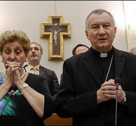 Parolin y la directora del Bambino Gesù, Mariella Enoc