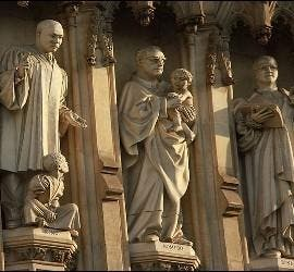 Estatua del Beato Romero