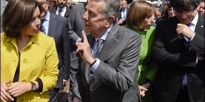Soraya Saenz de Santamaría, el conde Godó y Carles Puigdemont.