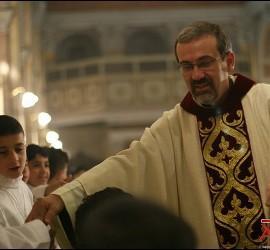 Pizzaballa, con niños cristianos de Tierra Santa