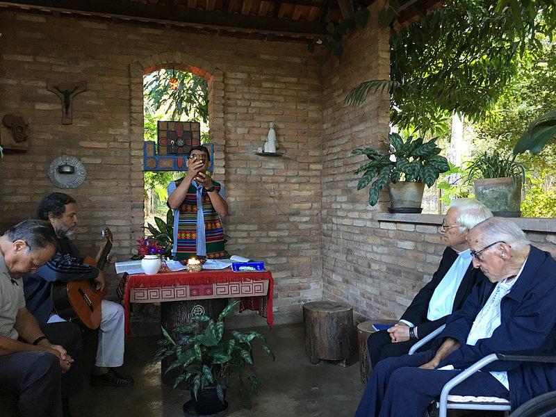 Misa con Casaldáliga en su capilla