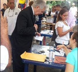 Urosa, ayer, votando
