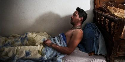 El tunecino Adel Dridi recuperándose de quemaduras autoinfligidas.