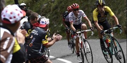 Alberto Contador lo intenta todo en el Tour de Francia.