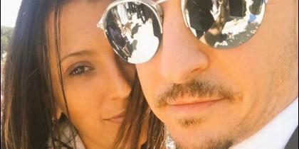 Chester Bennington con su esposa Talinda Bennington