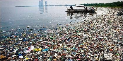 Un mar de basura y plástico.