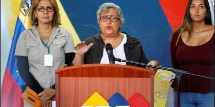 La presidenta del CNE, Tibisay Lucena, anunció que se autorizó a votantes de zonas en conflicto a sufragar en centros en los que no están inscritos