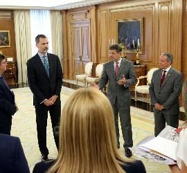 Catalá conversa con los Reyes y los representantes de Ferede