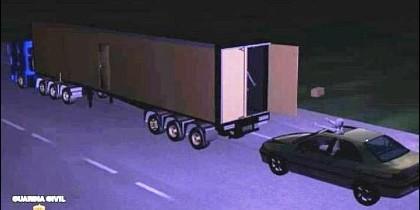 La banda de los 'surferos' en el asalto a un camión.
